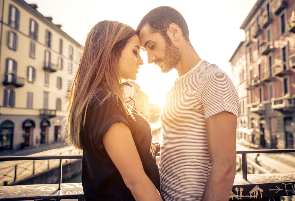 15 Soulmate Signs: How to Know When You've Met the One Image